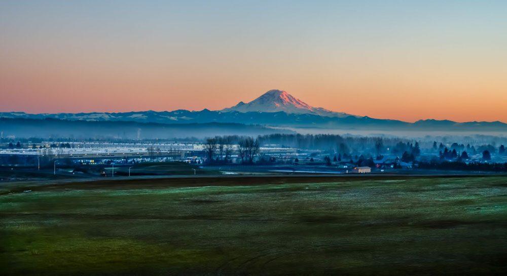 A view of Mount Rainier from Kent, Washington